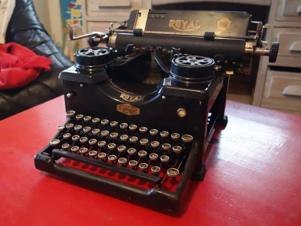 Machine à écrire Royale